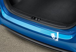 Rear bumper protection foil, transparent
